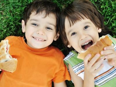 Les enfants et le déjeuner