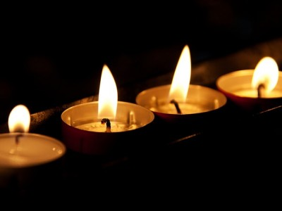Organize a Candlelit Dinner to Celebrate Earth Hour