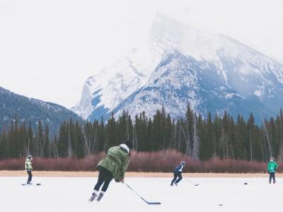 Jouez dans la neige