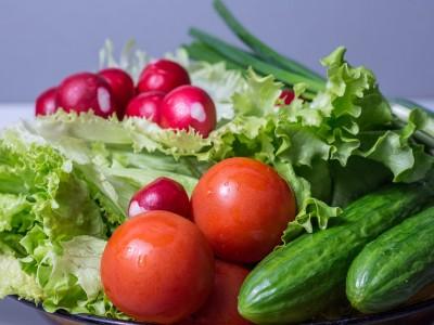 Partager sa sauce à salade préférée
