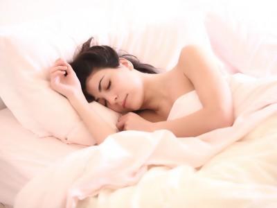Dormir sans vêtements